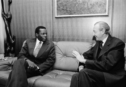 Foreign Minister of Angola Meets with Secretary-General