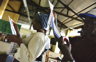 Liberian Voters Inspect Ballots Papers on Election Day