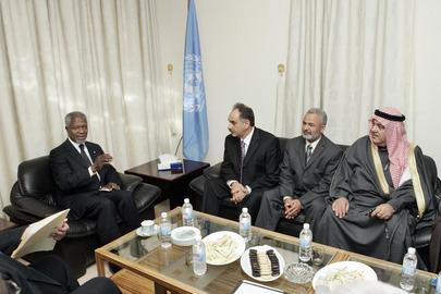 Annan Meets Sunni Arab Community Leaders