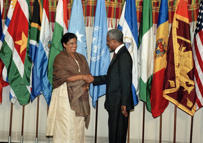 Secretary-General Greets President of Sri Lanka