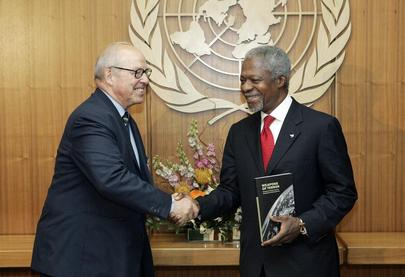 Secretary-General Receives Commission of Weapons of Mass Destruction Report