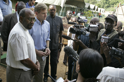 Humanitarian Affairs Chief Holds Joint Press Conference in Sudan