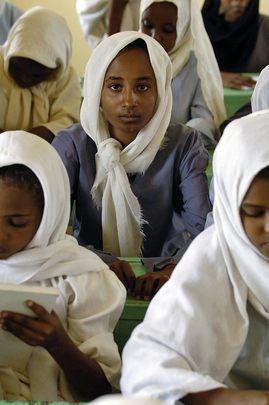 UNHCR Provides School Facilities for Student Refugees in Sudan