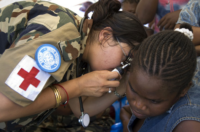 MINUSTAH Peacekeeper Offers Free Medical Care to Local Resident