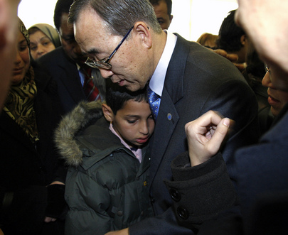 Secretary-General Meets Family of Bombing Victims in Algeria