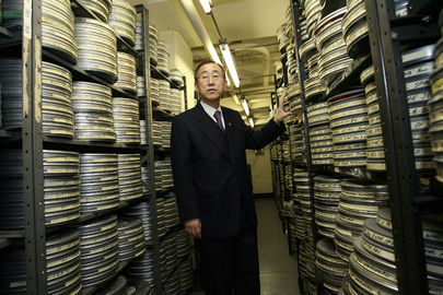 Secretary-General Visits UN Audio-Visual Library