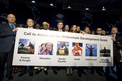 Secretary-General and World Economic Forum Participants Promote MDGs