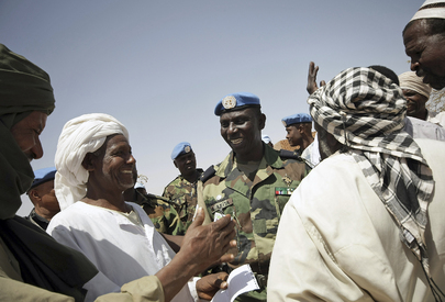 UNAMID Commander Meets Arab Nomads
