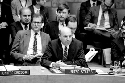 Security Council Votes to Establish Formal Cease-Fire to End Persian Gulf War