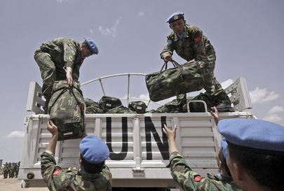 UNAMID Chinese Engineers Unload Supply Kits