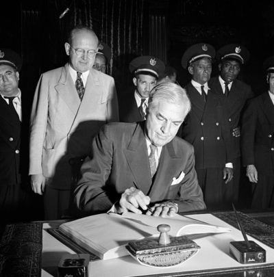 United Nations Photo: 53 Nations Sign Final Act of Havana ...