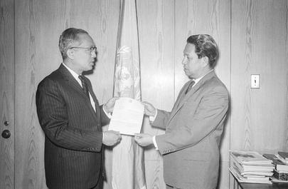 Permanent Representative of Singapore Presents Credentials
