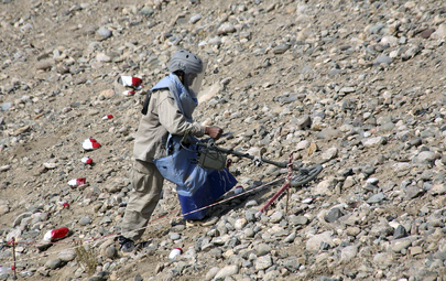 De-mining Expect Searches for Landmines