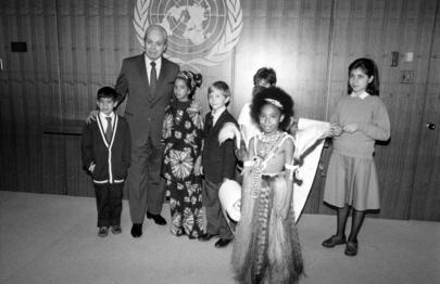 Group of Children Meet Secretary-General