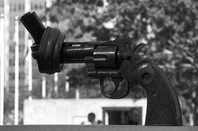 """""""On-Violence"""" Revolver Sculpture from Luxembourg"""