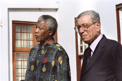 Secretary-General Visits South Africa and Meets with President of South Africa