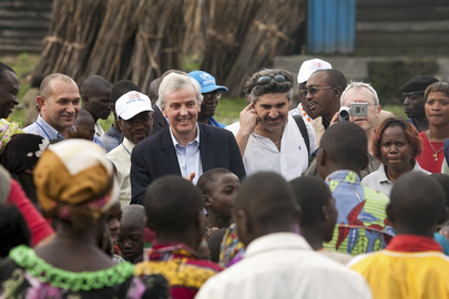 UN Emergency Relief Coordinator Visits IDP Camp