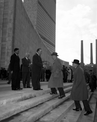 General Eisenhower Visits United Nations