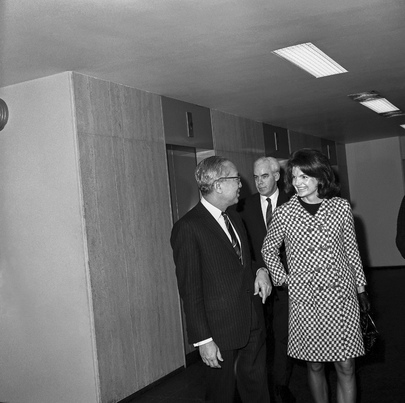 Jacqueline Kennedy Guest of Secretary-General at Luncheon