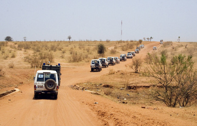 UN Convoy Escorts African Union Delegation