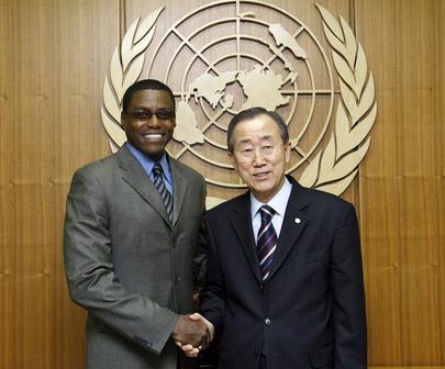 Secretary-General Meets FAO Goodwill Ambassador Carl Lewis