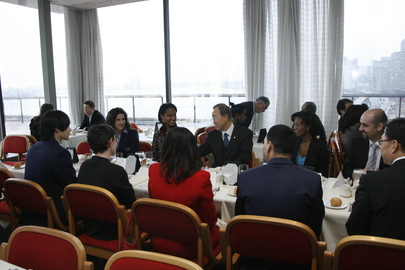 Secretary-General Attends UN Tour Guides Luncheon