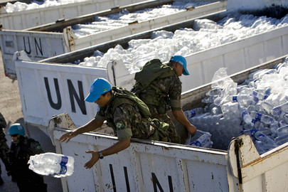UN Peacekeepers Distribute Water and Food in Haiti