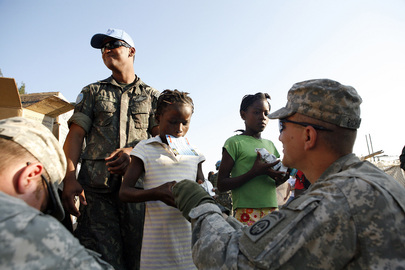 UN and U.S. Army Distribute Food and Water in Haiti