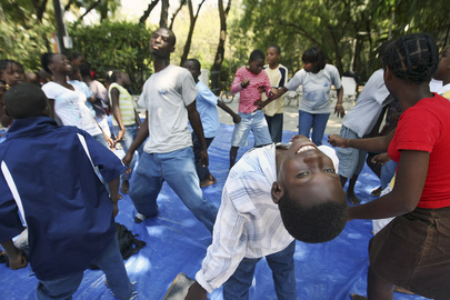 Dance Troupe and IOM Help Alleviate Trauma from Haiti Quake