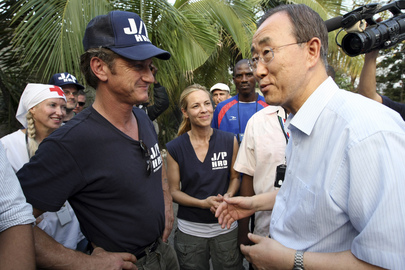 Secretary-General Meets Actor and Humanitarian Sean Penn at Haiti IDP Camp