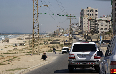 Secretary-General Drives through Gaza City