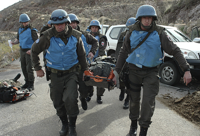 Austrian UNDOF Officers Evacuate Casualty