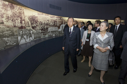 Secretary-General Visits Nagasaki Atomic Bomb Museum