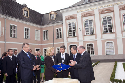 Secretary-General Visits International Anti-Corruption Academy in Austria
