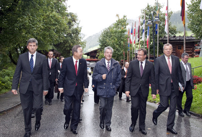 Secretary-General and Austrian Leaders Arrive for Closing Session of European Forum 2010