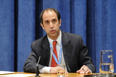 Tomás Ojea Quintana, UN Special Rapporteur on the situation of human rights in Myanmar, briefs correspondents on human rights in the context of upcoming elections in Myanmar, the first to be held in that country in more than two decades. 21 October 2010 United Nations, New York