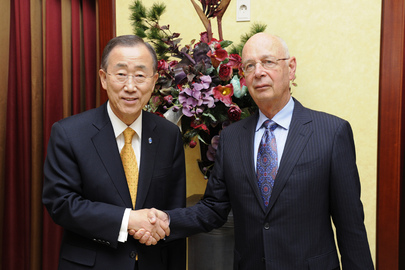 Secretary-General Meets Head of World Economic Forum in Seoul