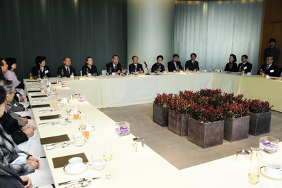 Secretary-General Meets Private Sector Organization in Seoul 