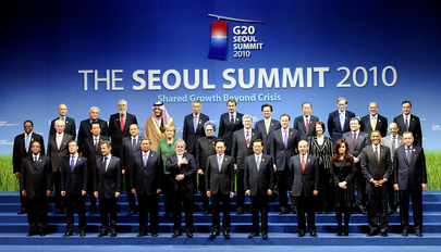 Secretary-General Poses for Photo with G20 Leaders in Seoul, Republic of Korea