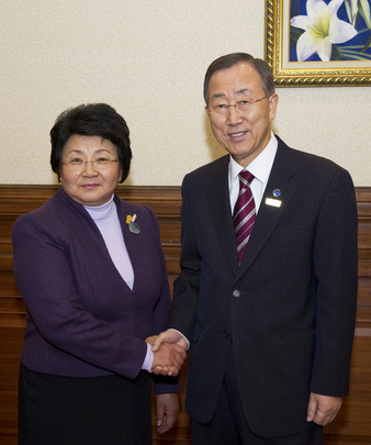 Secretary-General Meets President of Kyrgyzstan in Kazakh Capital