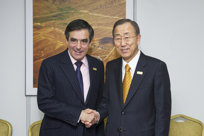 Secretary-General Meets Prime Minister of France at OSCE Summit