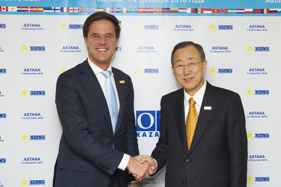Secretary-General Meets Prime Minister of Netherlands at OSCE Summit