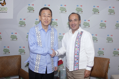 Secretary-General Meets President of Mexico at Cancun Climate Change Summit