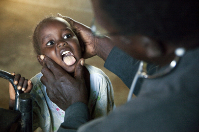 Displaced Sudanese Undergo Medical Tests before Journey Home