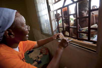 UNMIL Pharmacist Dispenses Medicines in Mission Outreach Programme