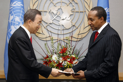 Macharia Kamau (right), new Permanent Representative of the Republic of Kenya to the United Nations, presents his credentials to Secretary-General Ban Ki-moon. Date: 16 December 2010
