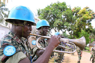 UN Envoy Visits UNOCI Peacekeepers at Hotel Golf