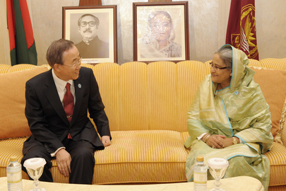 Secretary-General Meets Prime Minister of Bangladesh in Abu Dhabi
