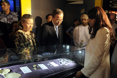 "Secretary-General Visits ""From China to Arabia"" Exhibit in Oman"