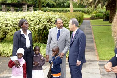 In New Report, Secretary-General Announces Major Strides in HIV Battle